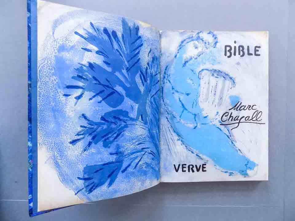 Bijbel Marc Chagall na restauratie en conservatie